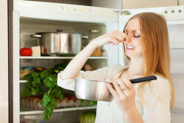 Mẹo khử mùi cho tủ lạnh