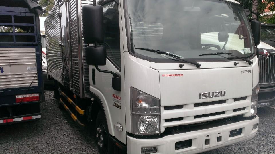 xe tải isuzu 3 tấn 99 thùng kín inox giá rẻ miền nam .