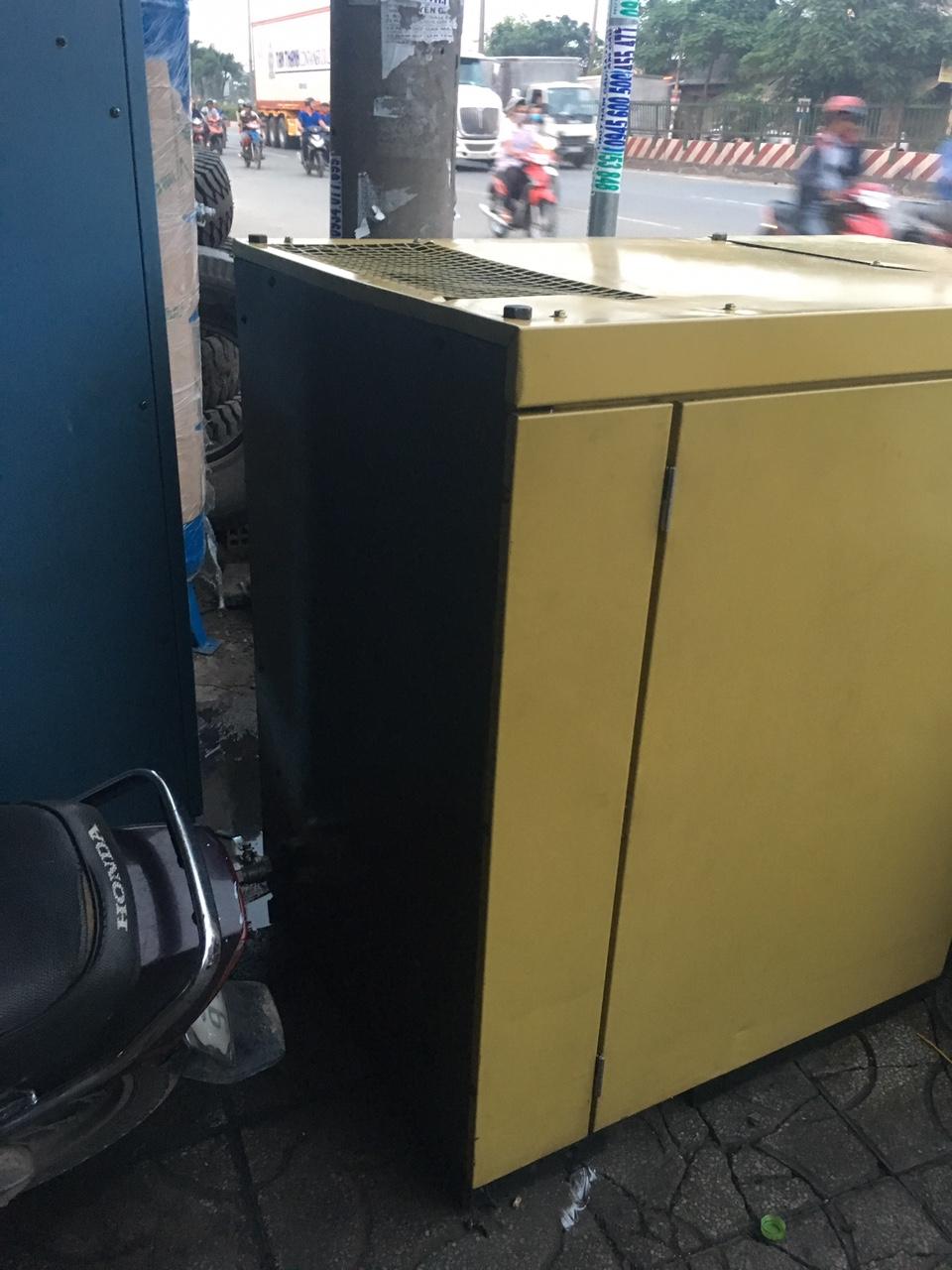 máy nén khí HITACHI 22KW cũ