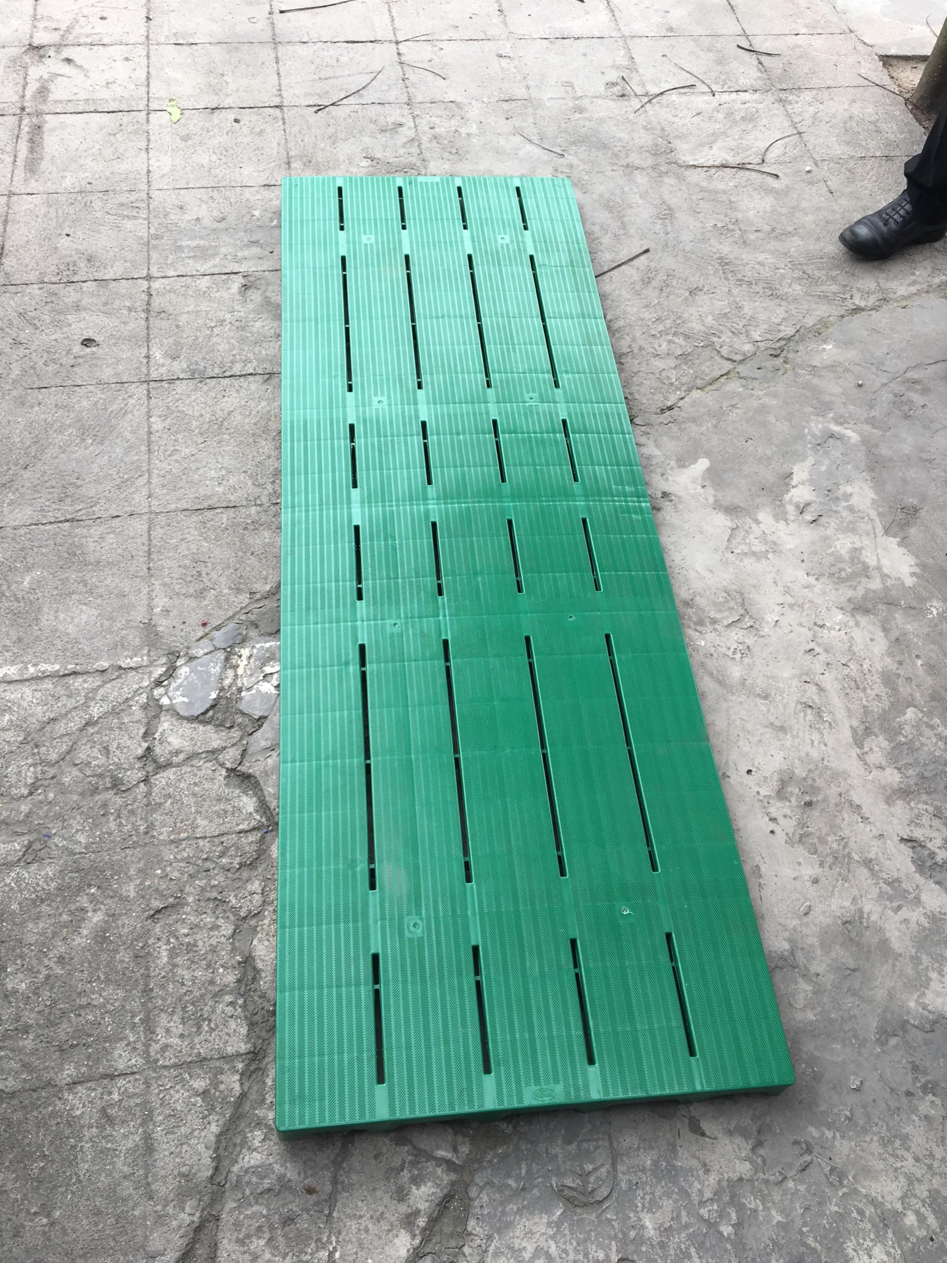 Tấm nhựa lót sàn 1800x600x50