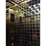 Cabin thang máy gương vàng hoa văn