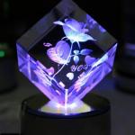 Hoa hồng in 3D trong khối pha lê quà tặng ý nghĩa cho bạn gái