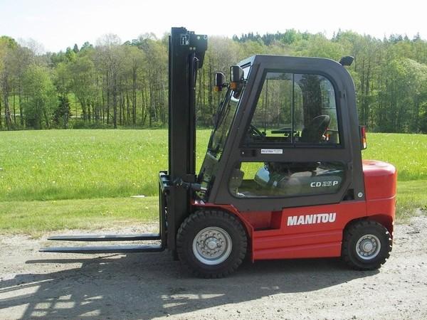 Xe nâng hàng Diesel Manitou CD 25P