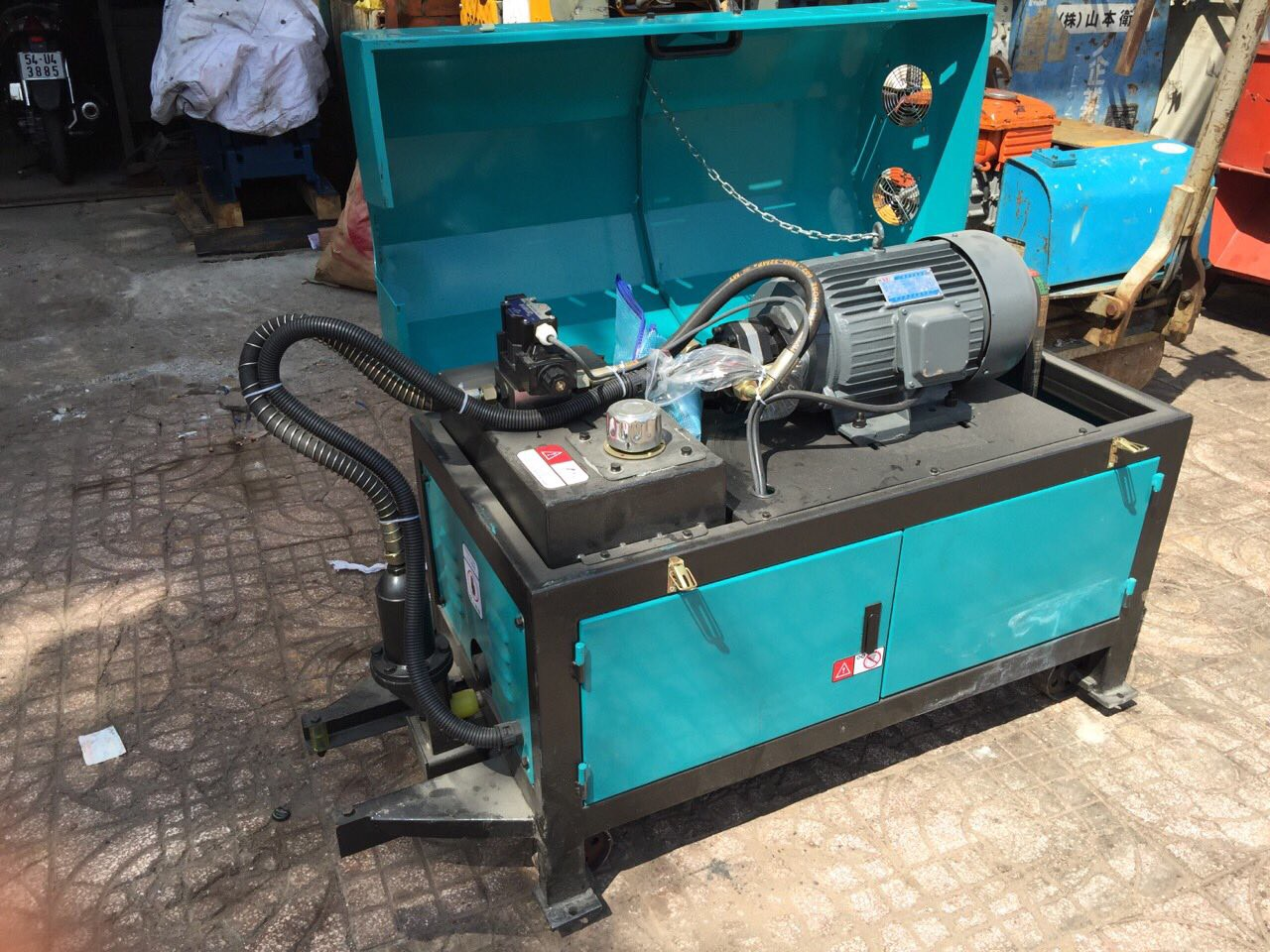 máy duỗi sắt GT4-12