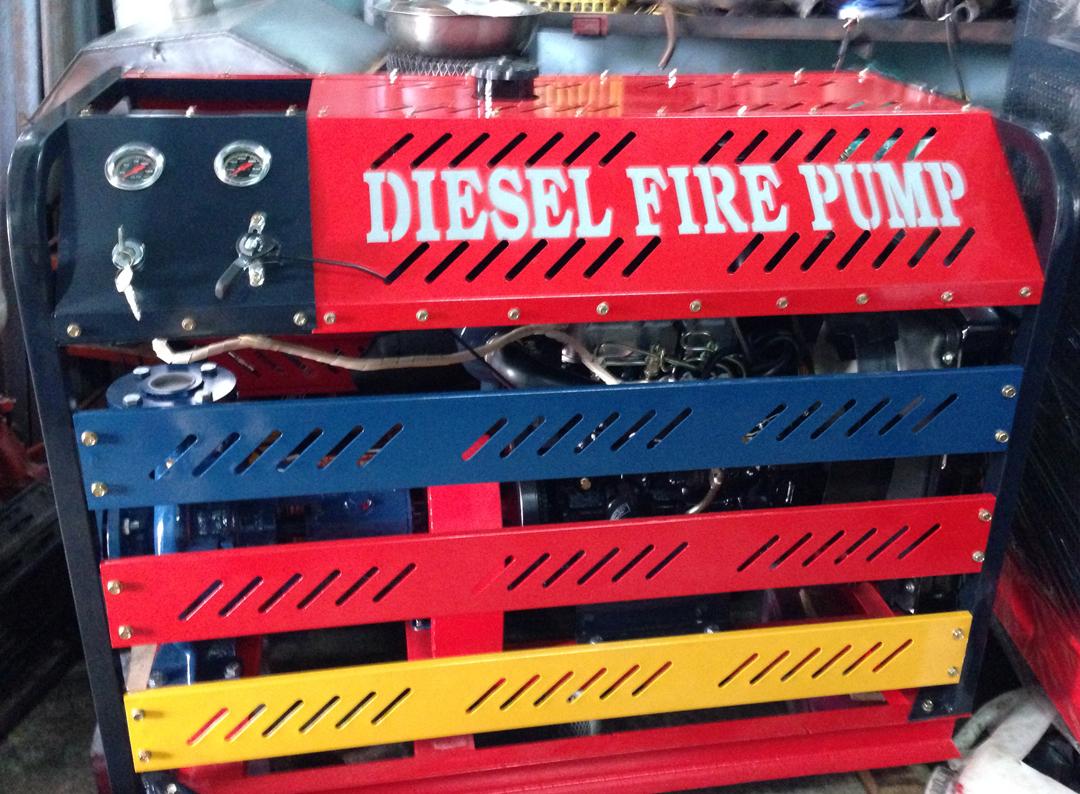 Máy bơm Diesel Hyundai 40hp, Q=54-144m3/h, H=79.5- 48.5m, 90%