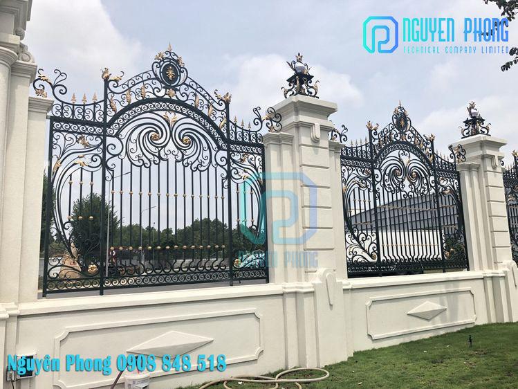 Hàng rào cắt CNC, hàng rào sắt uốn nghệ thuật đẹp cho biệt thự, villa