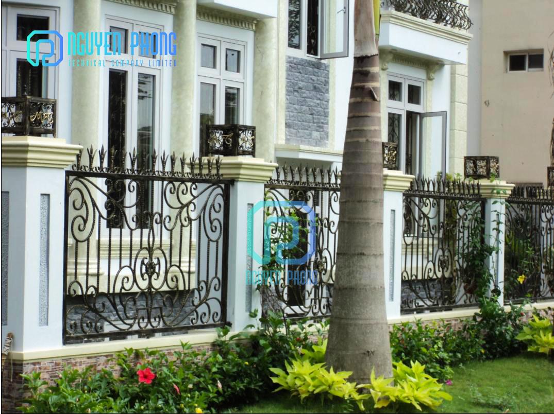Mẫu hàng rào sang trọng cắt CNC sơn epoxy 2 thành phần bền đẹp