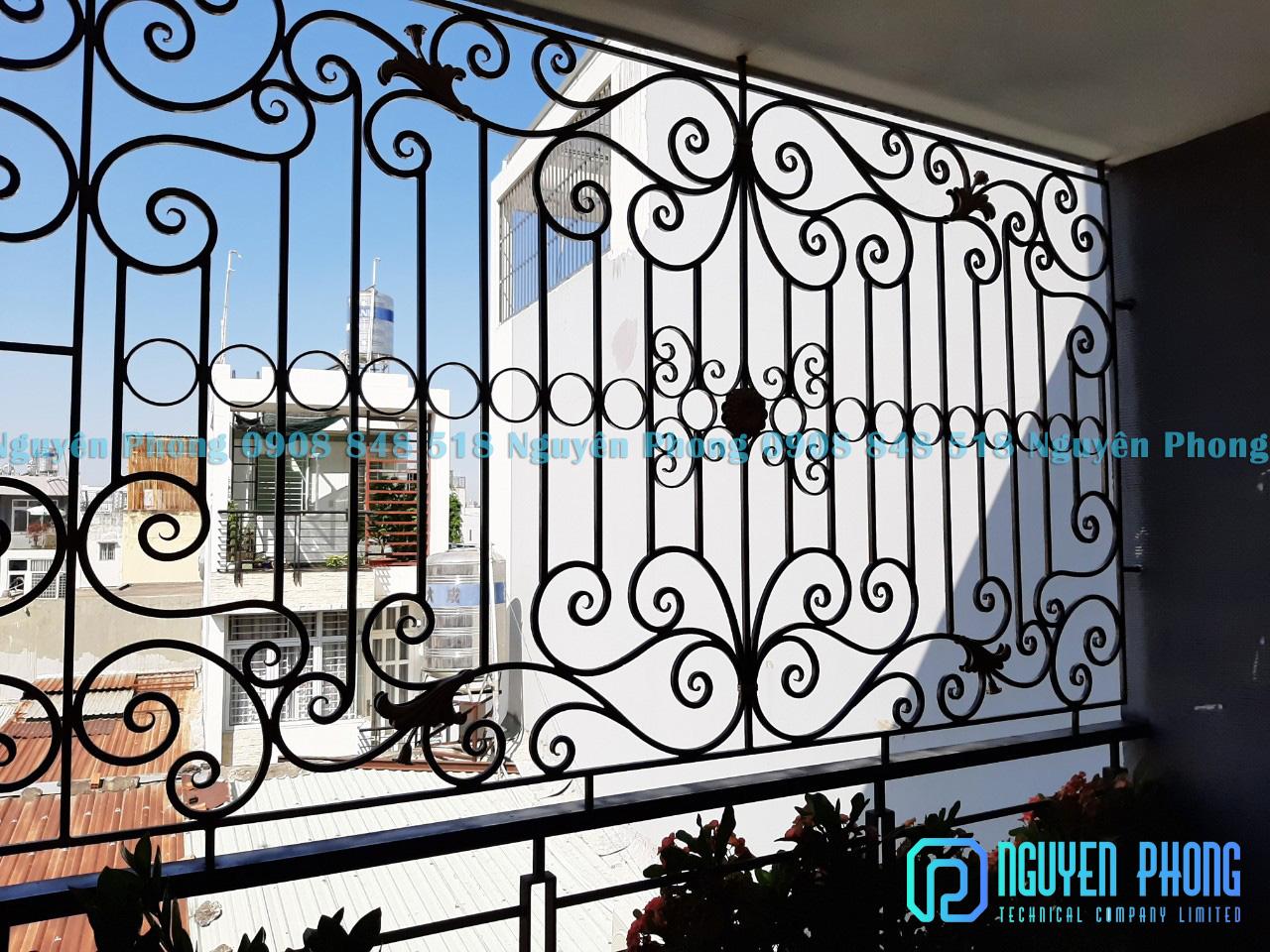 Mẫu song cửa sổ, khung cửa sổ sắt uốn nghệ thuật sơn epoxy cao cấp cho biệt thự, nhà phố
