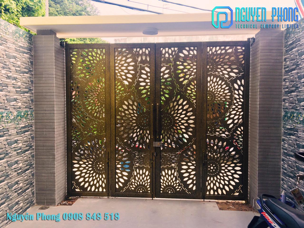 Thiết kế, gia công cổng sắt cắt CNC hoa văn thiết kế theo yêu cầu HCM, Bình Phước, Bình Dương