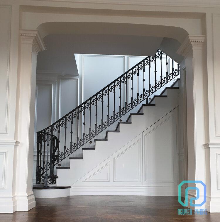 Thiết kế, gia công, thi công trọn gói lan can cầu thang sắt uốn mỹ thuật đẹp nhất 2020