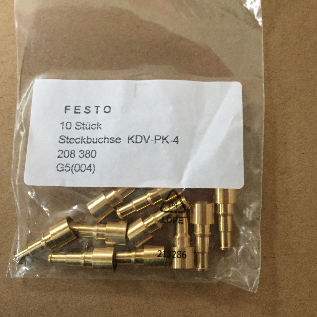 Đầu nối FESTO KDV-PK-4-208380