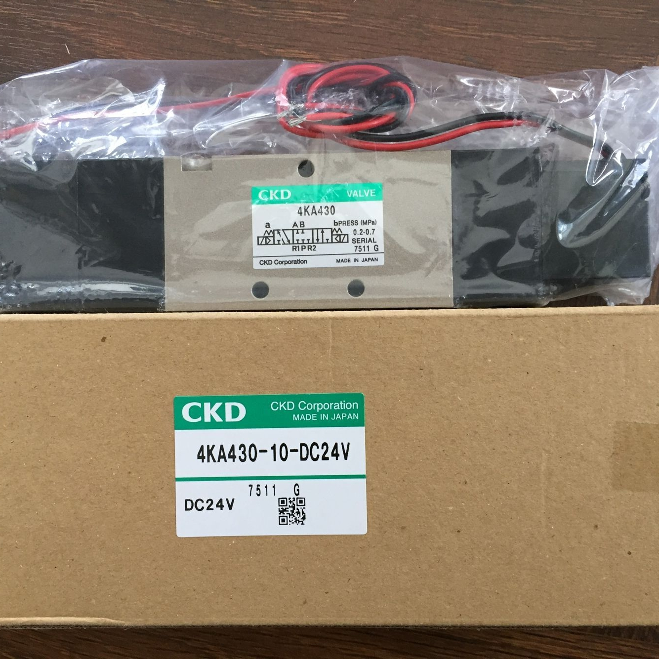 Van điện từ CKD 4KA430-10-DC24V