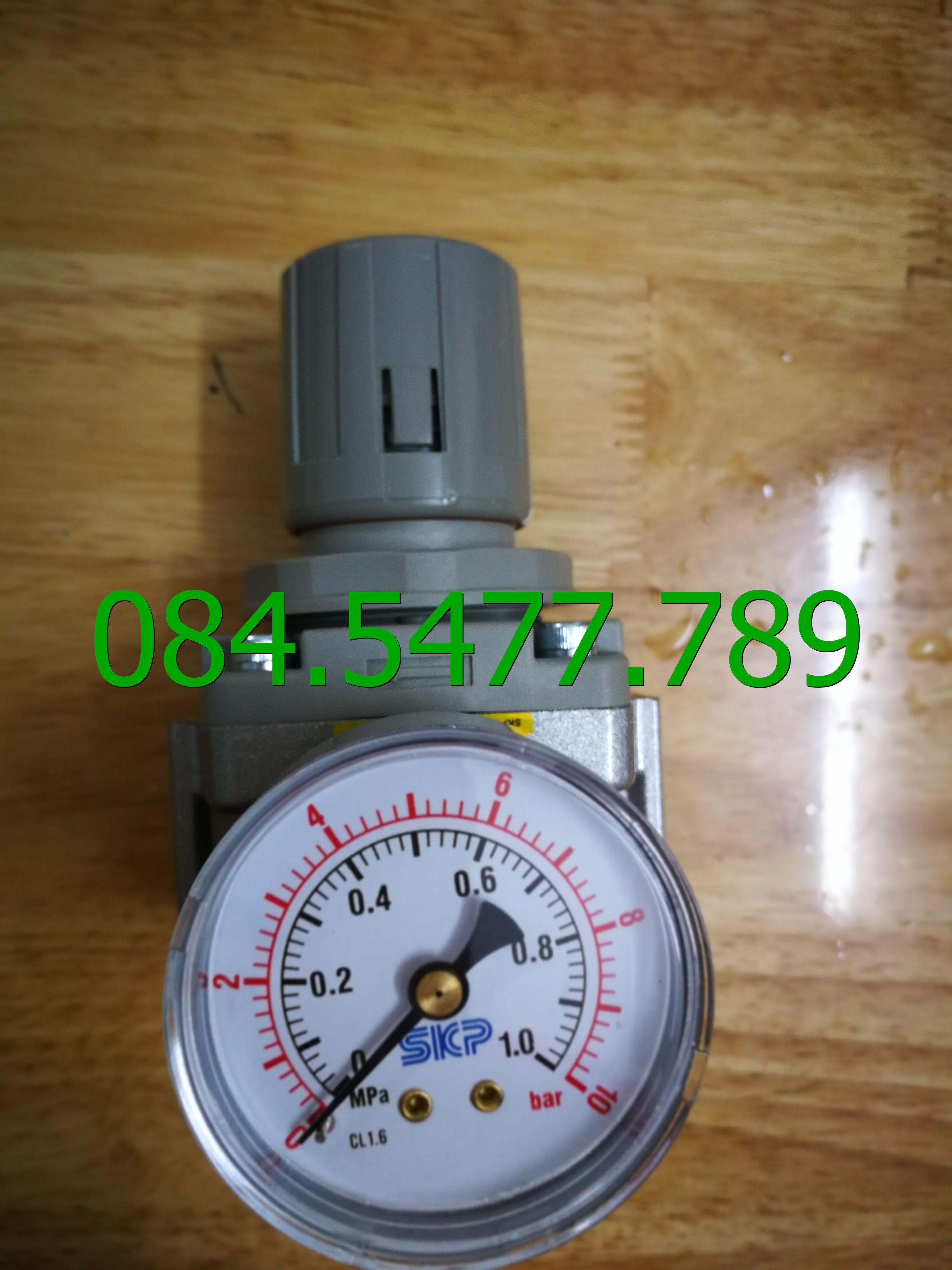 Bộ điều chỉnh áp suất khí nén SAR6000M-10BG