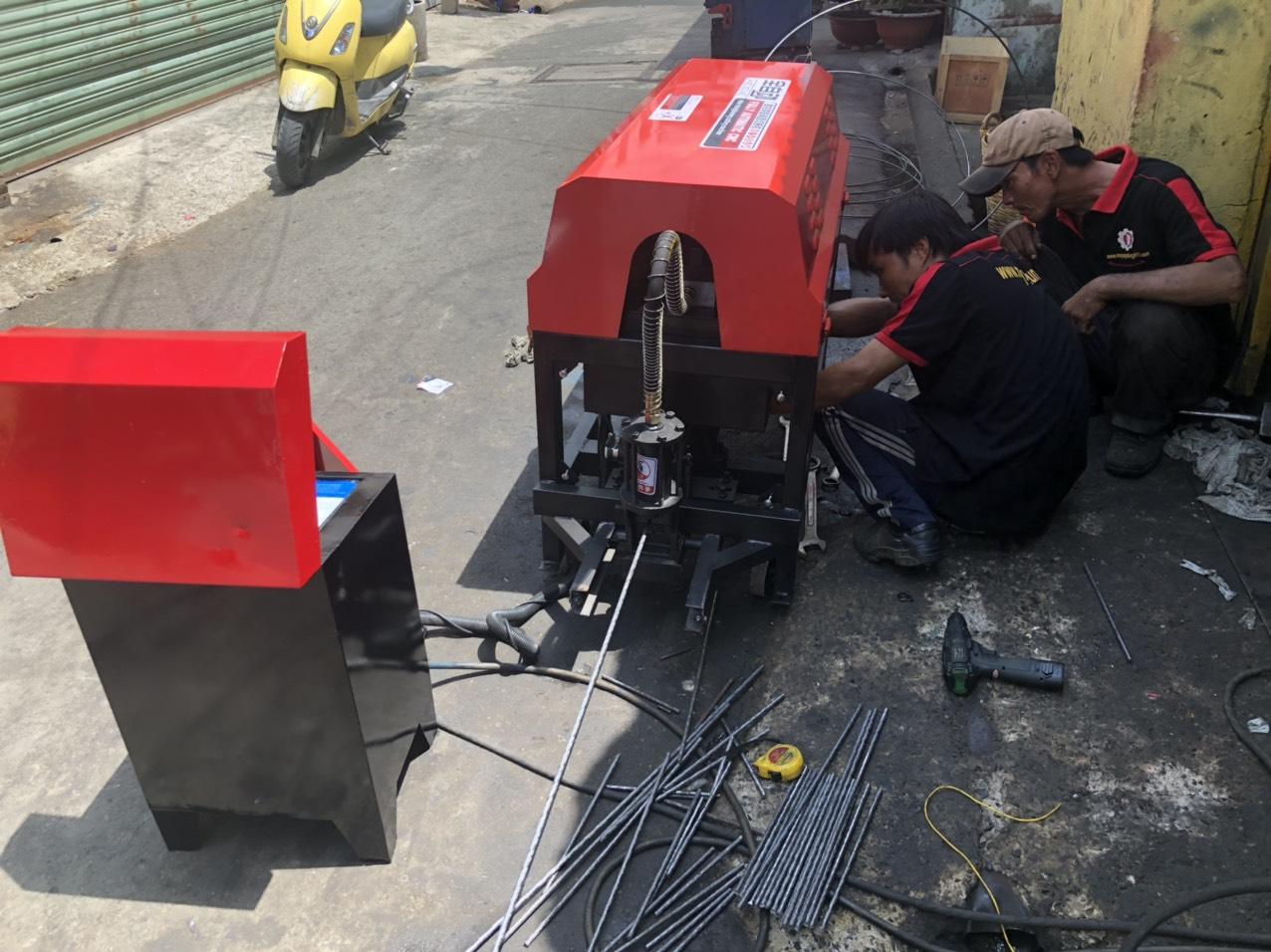 máy duỗi cắt GT4-12