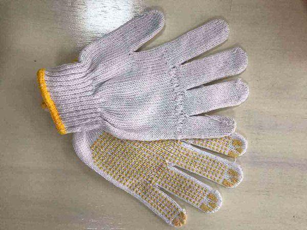 Găng tay bảo hộ len hạt nhựa vàng