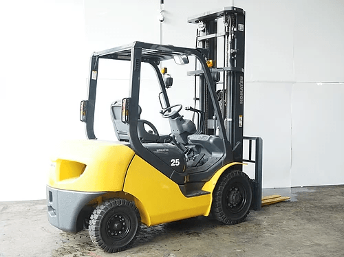 Cung cấp xe nâng Komatsu chạy dầu nhập khẩu 100%
