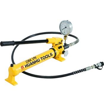 Bơm tay thủy lực 1 chiều 0.7 lít dầu TLP HHB-700B