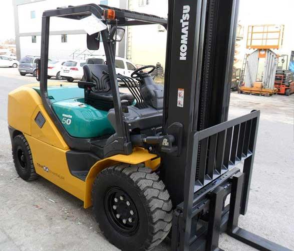 Phân phối xe nâng dầu 5 tấn thương hiệu Komatsu giá ưu đãi