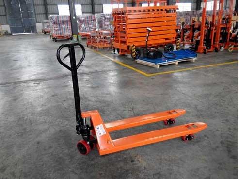 Xe nâng tay Niuli 3 tấn Đài Loan giá rẻ