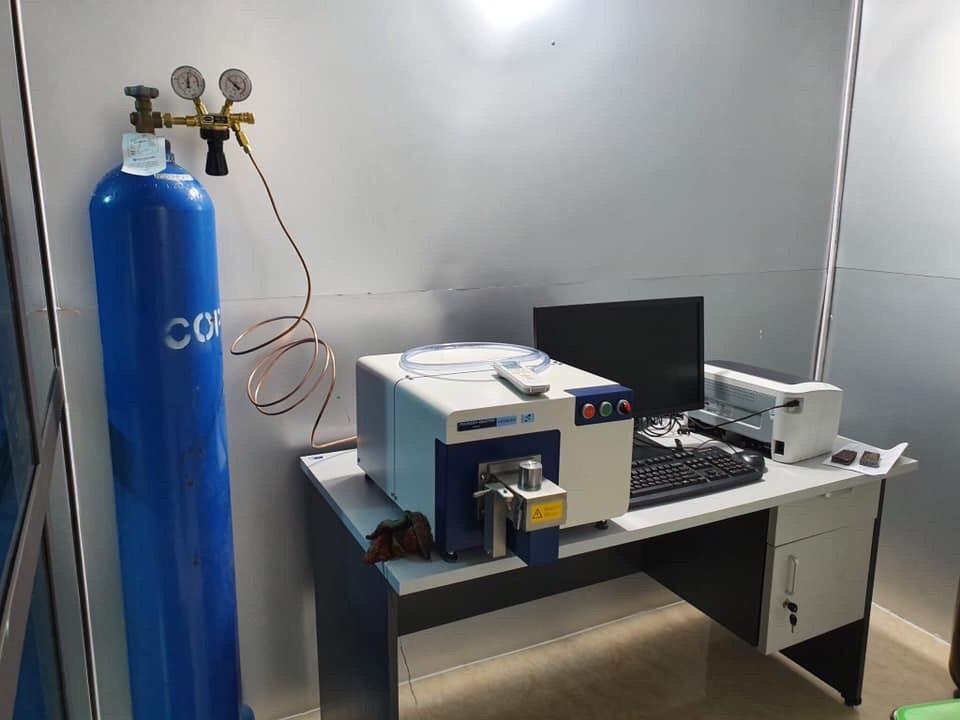 Máy phân tích thành phần hợp kim/CHLB Đức - Model Foundry Master Smart