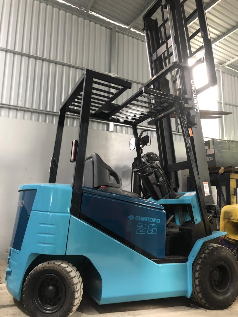 Xe nâng hàng Sumitomo 2,5 tấn