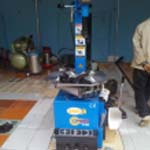 Thiết bị làm lốp, Máy tháo lắp lốp, Máy ra vào lốp, Máy tháo vỏ lốp xe.....